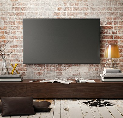 television de pared apagada